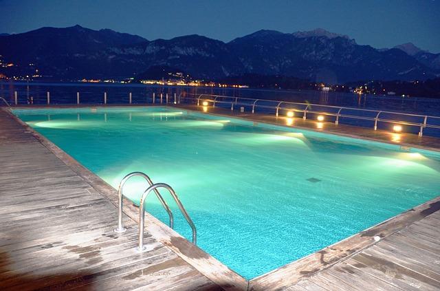 夏は短いので!プールデートは一番の思い出になりますよ!