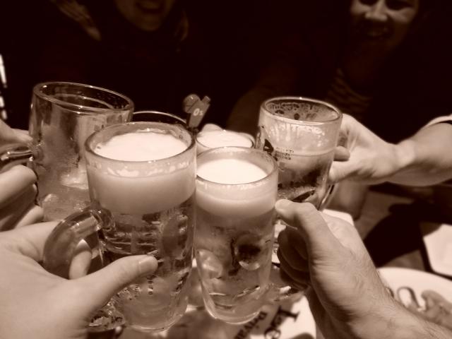 飲み会の誘い方には色んな方法がある!